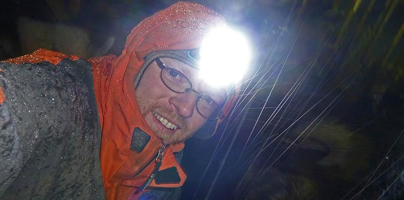 Hundgårdsbestyr_i_regn